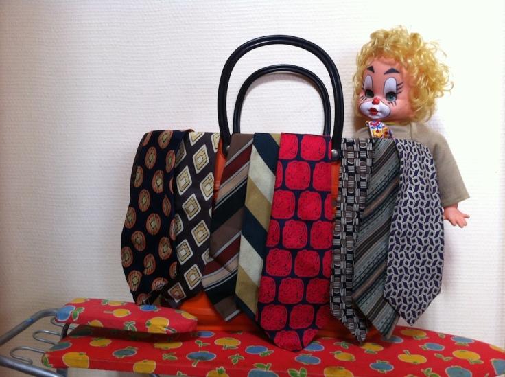 Dimanche seventies cravates