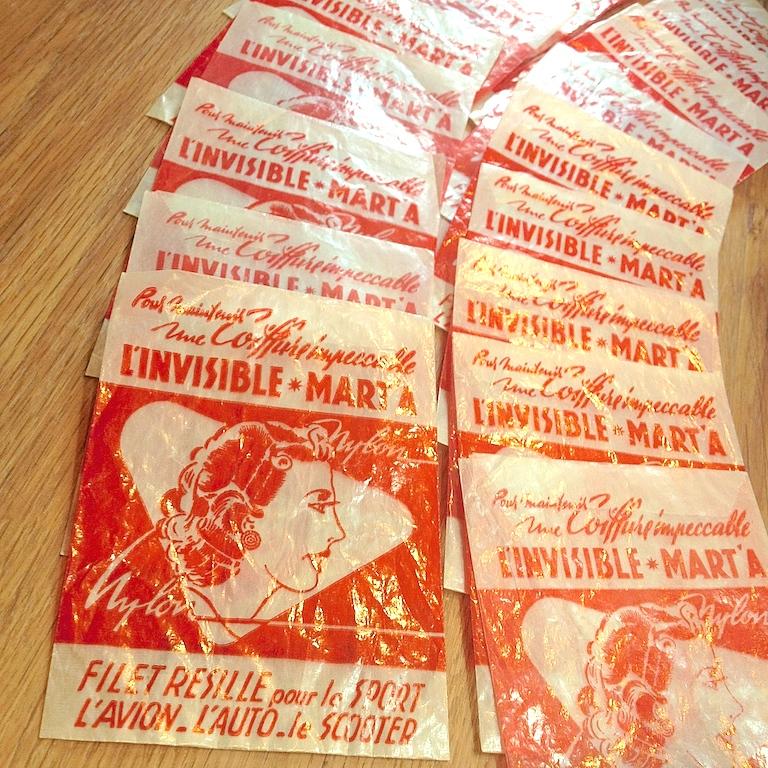 Monochrome vintage rouge 24