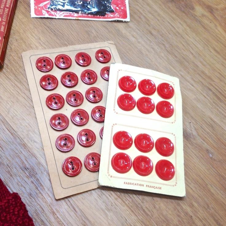 Monochrome vintage rouge 3