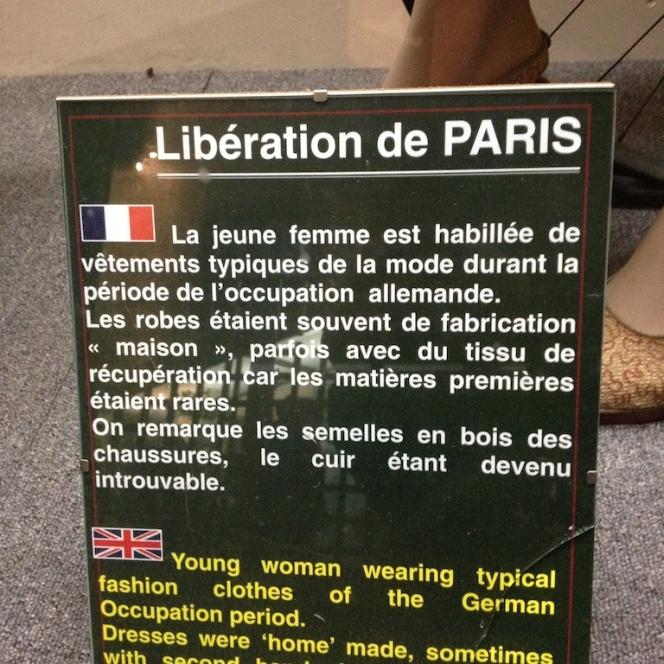 Musée 39-45 d'Ambleuteuse - Vitrine restriction textile femme 1940 4