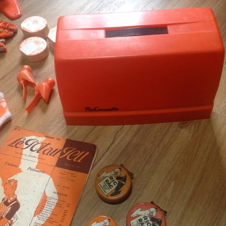 Monochrome vintage orange 5