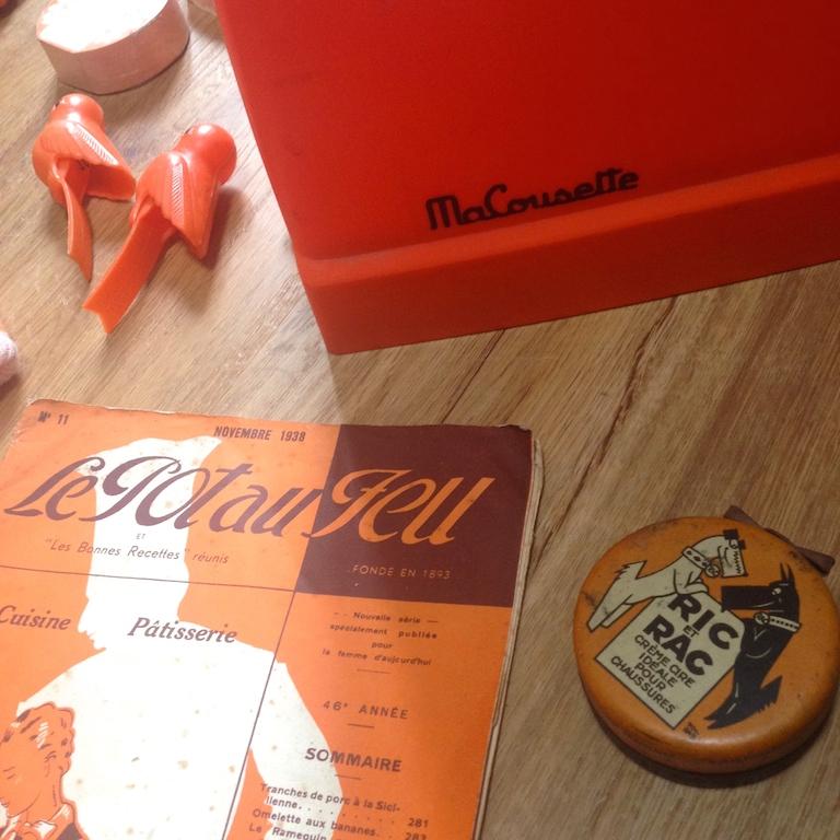 Monochrome vintage orange 6