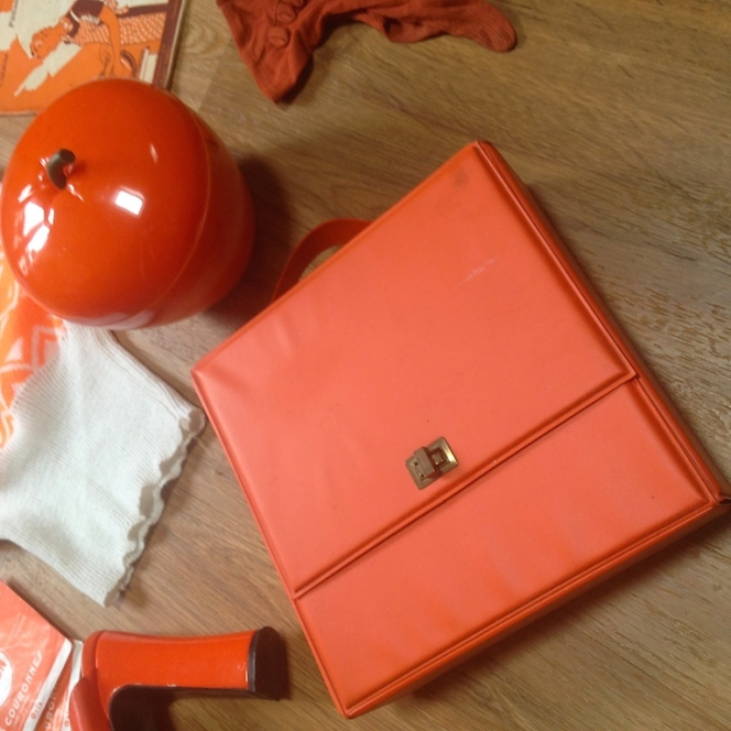 Monochrome vintage orange 8