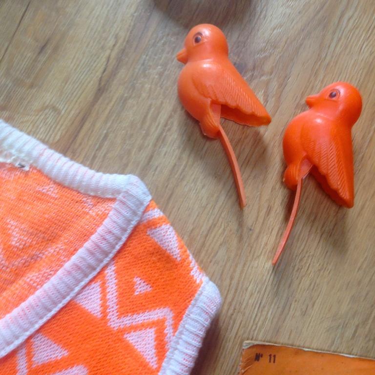 Monochrome vintage orange 9